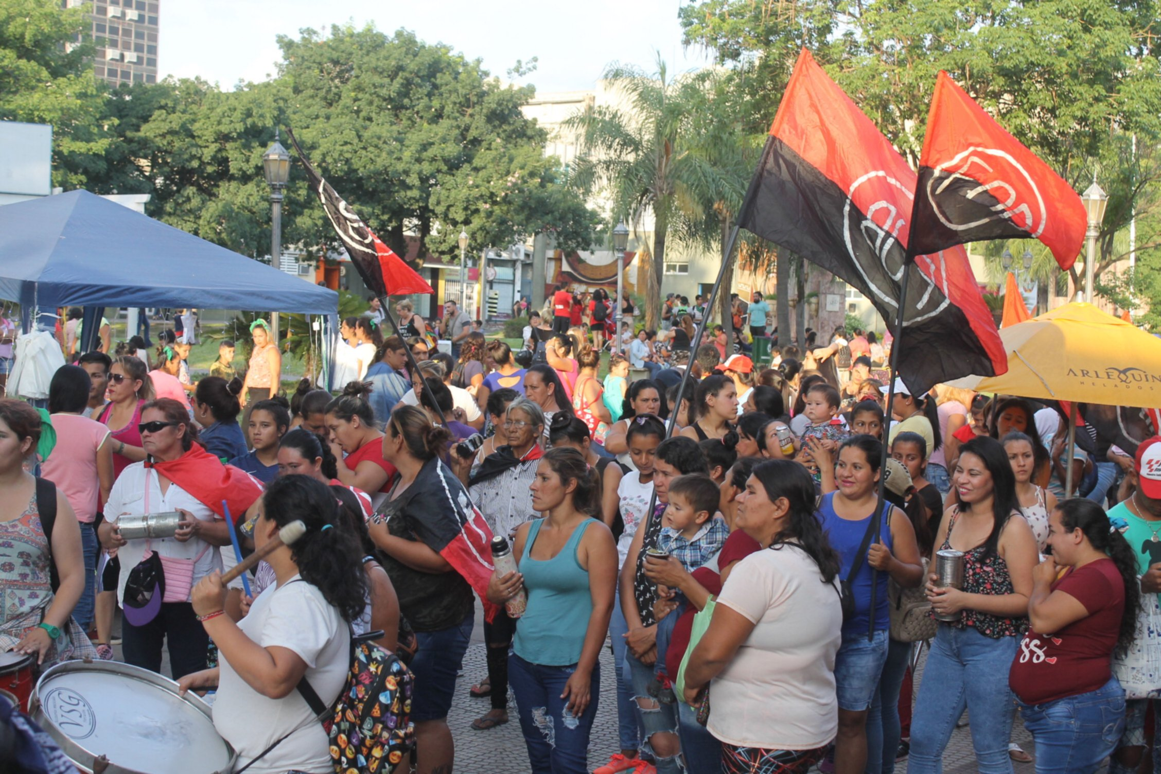 <p>Movilizaci&oacute;n. Marcharon hacia el Tribunal N&deg; 1 donde liberaron al acusado de femicidio de Tamara Salazar.&nbsp;</p>