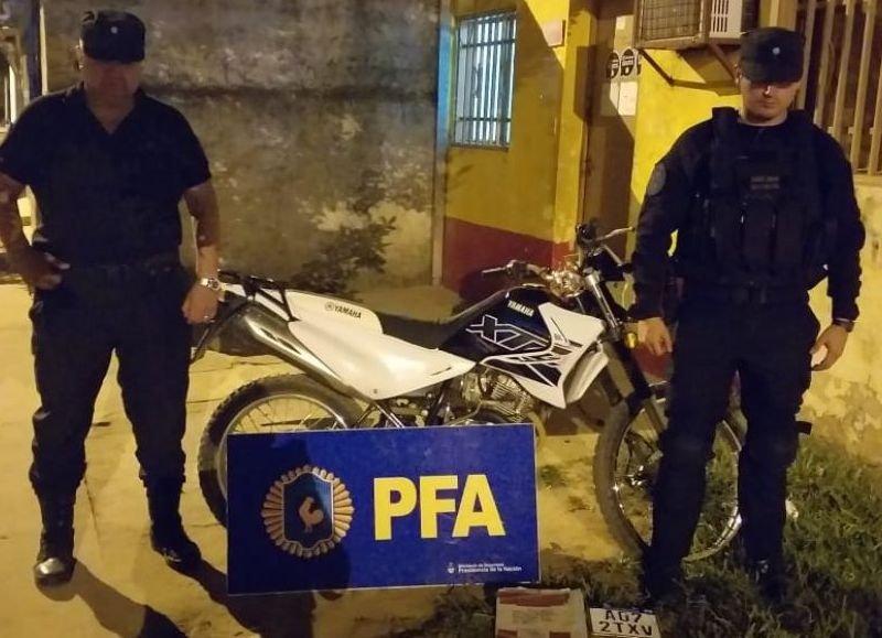 <p>Secuestro. La motocicleta en la que se repartía la cocaína.</p>