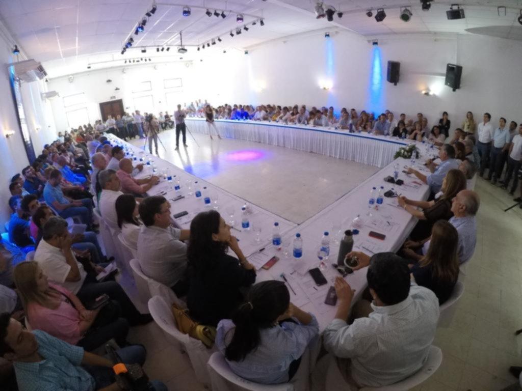 <p>Mitin. Pedro Cassani reunió a toda la plana de Encuentro Liberal para proyectar la política 2020.</p>