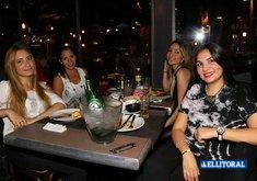 Al Río - Noche de Mujeres y Karaoke con Marú.