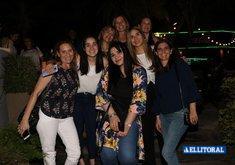 Al Río - Noche de Mujeres y Karaoke con Vruno.