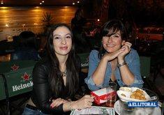 Al Río - Noche de Mujeres y Karaoke.